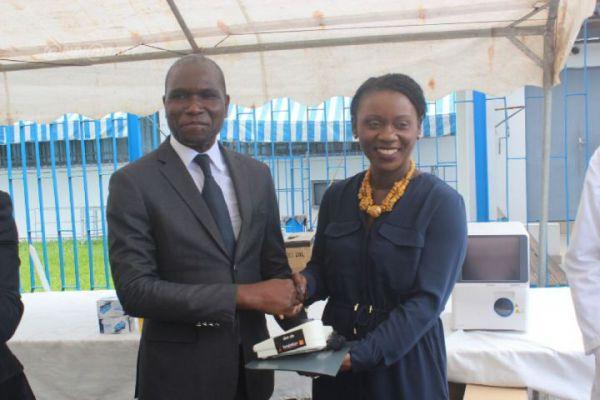 Don de matériels médicaux à la clinique de diabète du CHU de Treichville par la fondation Orange CI, kaleidoscopedemoi