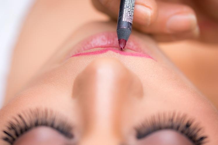 3 raisons d'adopter le crayon à lèvres, kaléidoscope de moi, bamba aida marguerite, blog blogger