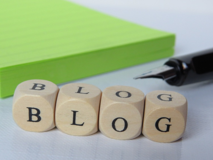 Blogspot ou WordPress : quel hébergeur choisir pour son blog ?, kaléidoscope de moi, bamba aida marguerite, blog, blogger, wordpress, blogspot