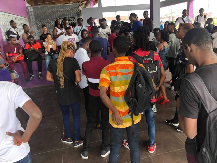 Jeunesse au rendez-vous pour les auditions MTV SHUGA BABI, kaléidoscope de moi, Abidjan, Cote d'Ivoire